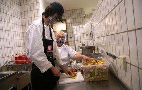 Küche verarbeitet Quitten aus Gadheim